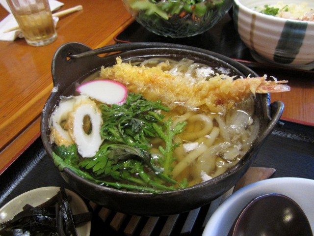 Kotohiras udon is made on-site. I order Nabeyaki Udon, with