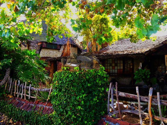 The Hobbit House  (photo by Nikki Kreuzer)