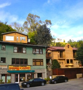 The location of Jim Morrison's old apartment (right). Pamala lived in the yellow one above it (left). (Photo by Nikki Kreuzer)