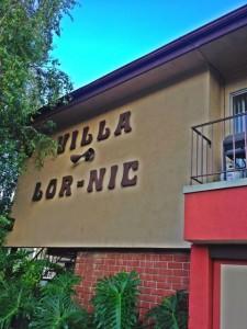 The Villa Lor-Nic on Moorpark Street in Sherman Oaks. Built 1964. (Photo by Nikki Kreuzer)