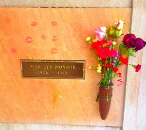 The crypt of Marilyn Monroe. The man in the crypt above her requested that he be buried face down. (Photo by Nikki Kreuzer)