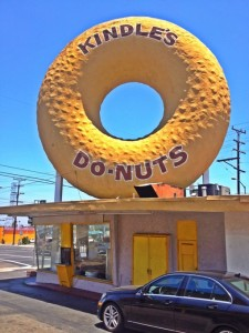 Before Randy's there was Kindle's. The very first Los Angeles Giant Donut. (Photo by Nikki Kreuzer)