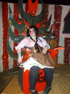 A talented scare actor at Haunted Hollywood Sports (photo by Nikki Kreuzer)