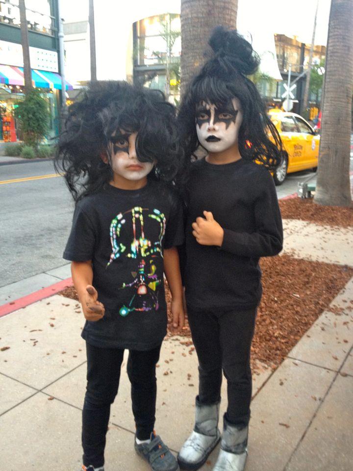 Young KISS fans waiting to meet Gene Simmons and Paul Stanley (photo by Nikki Kreuzer)