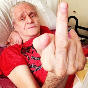 Kim Fowley shows that the Bird's the Word... (photo by Nikki Kreuzer)