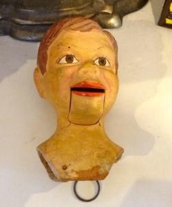Puppet head (photo by Nikki Kreuzer)