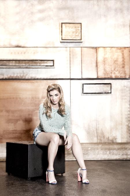 Sarah Blaine (2)