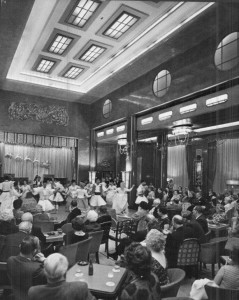 The 1st Class Lounge on the Queen Mary in the 1930's, now renamed the Queen's Salon