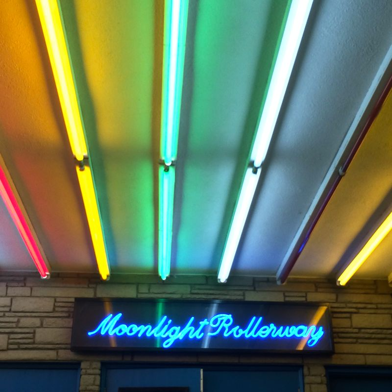 The vintage neon of Moonlight Rollerway (photo by Nikki Kreuzer)