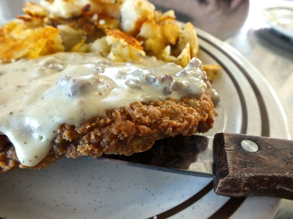 A nice, thick chicken fried steak at the 101 Cafe. Photo by Edward Simon for The Los Angeles Beat.