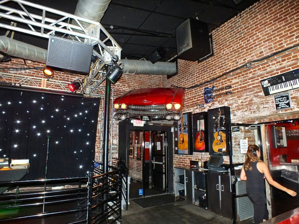 Stage and INT Slidebar. Photo by Edward Simon for The Los Angeles Beat