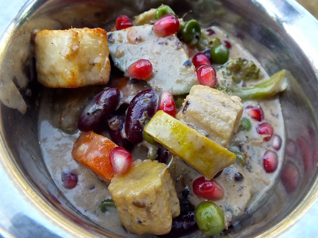 Khorma, a delicious feast of seasonable vegetables and paneer cheese.  Photo by Edward simon for The Los Angeles Beat.