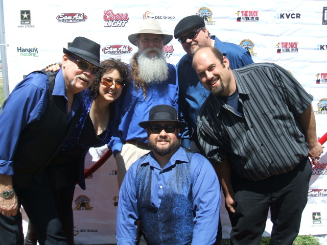 The Blue Henrys. Photo courtesy of Doug Deutsch PR.