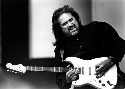 COCO MONTOYA/ Photo courtesy of Doug Deutsch PR.