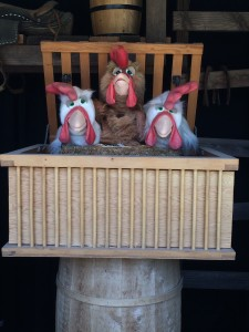 Singing puppets (photo by Nikki Kreuzer)