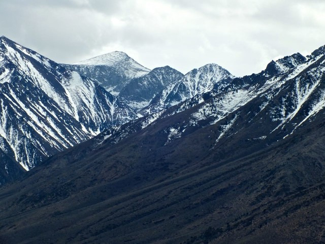 Snowcapped mountains in Mammoth. Photo by Ed Simon for The Los Angeles Beat.