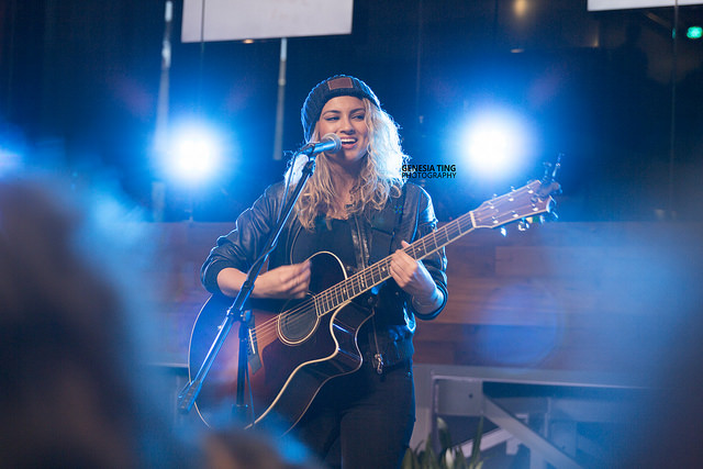 Tori Kelly performing at her album release party at Youtube Space LA. Photo by Genesia Ting for the Los Angeles Beat.