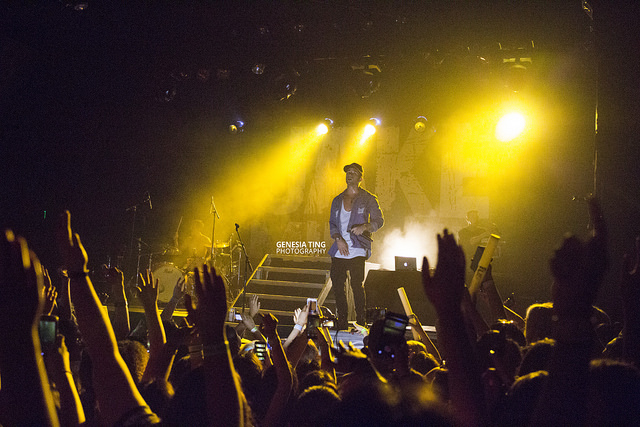 Jake Miller at the El Rey Theatre. Photo by Genesia Ting for the Los Angeles Beat.