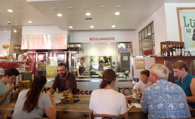 Moulin Bistro INT. Photo by Ed Simon for The Los Angeles Beat