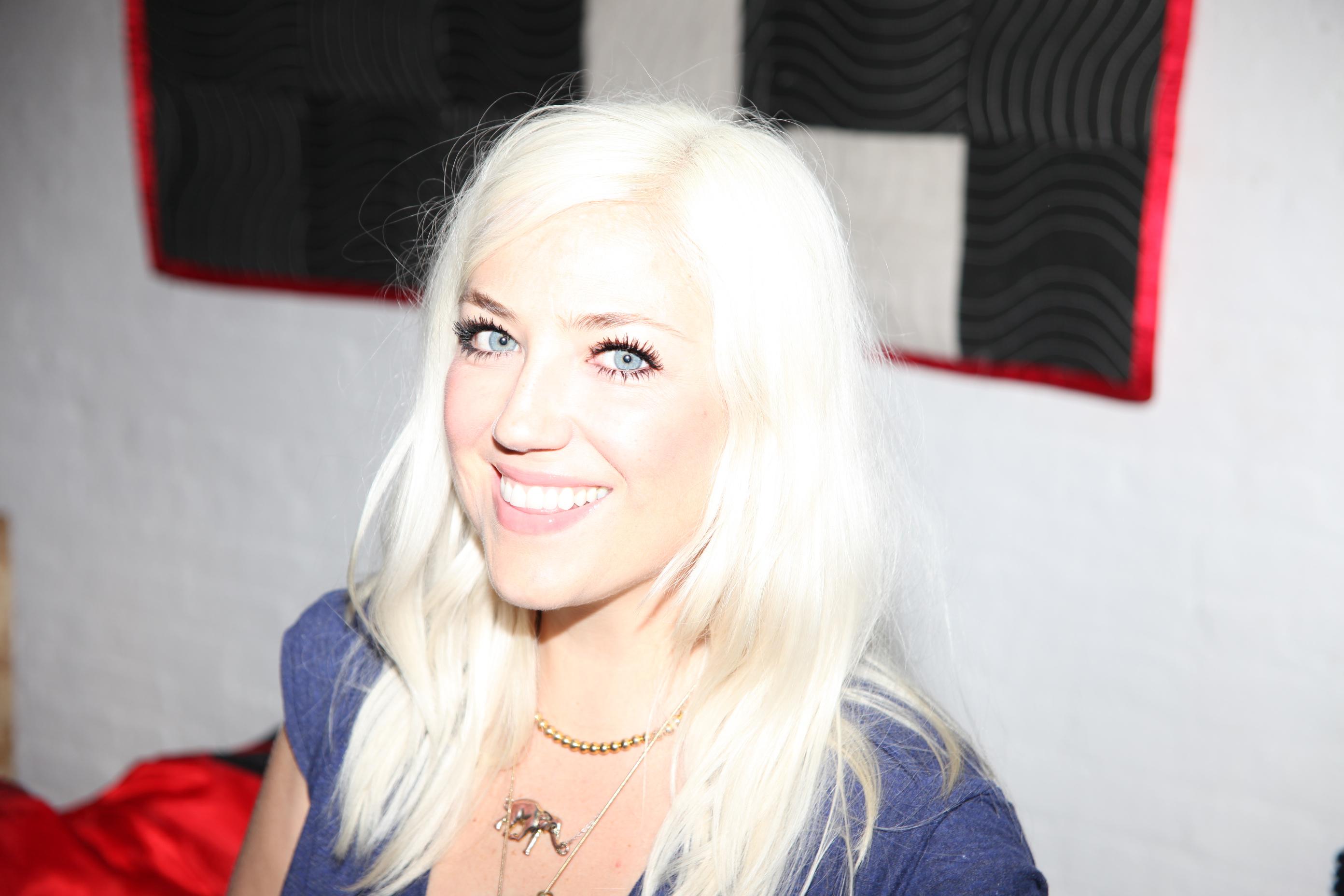 www.lashstarbeauty.com