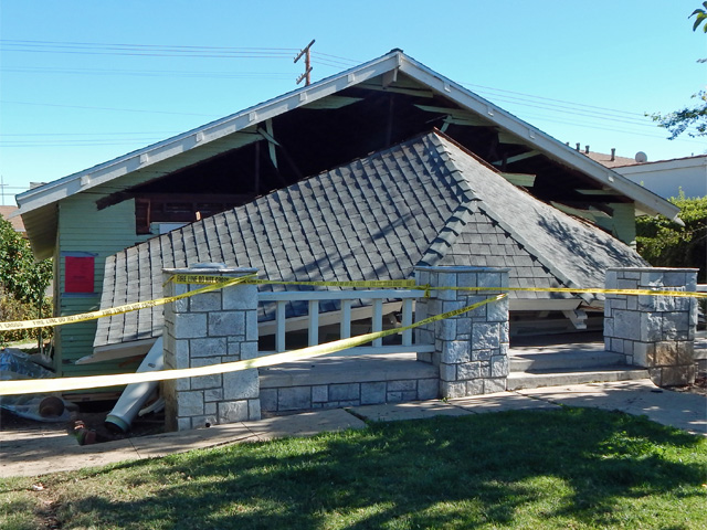 house next door collapsed 160201