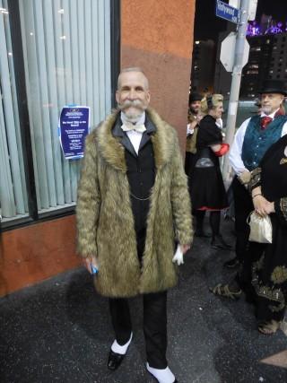 Edwardian on Hwd Blvd (photo by Richard Potthoff)
