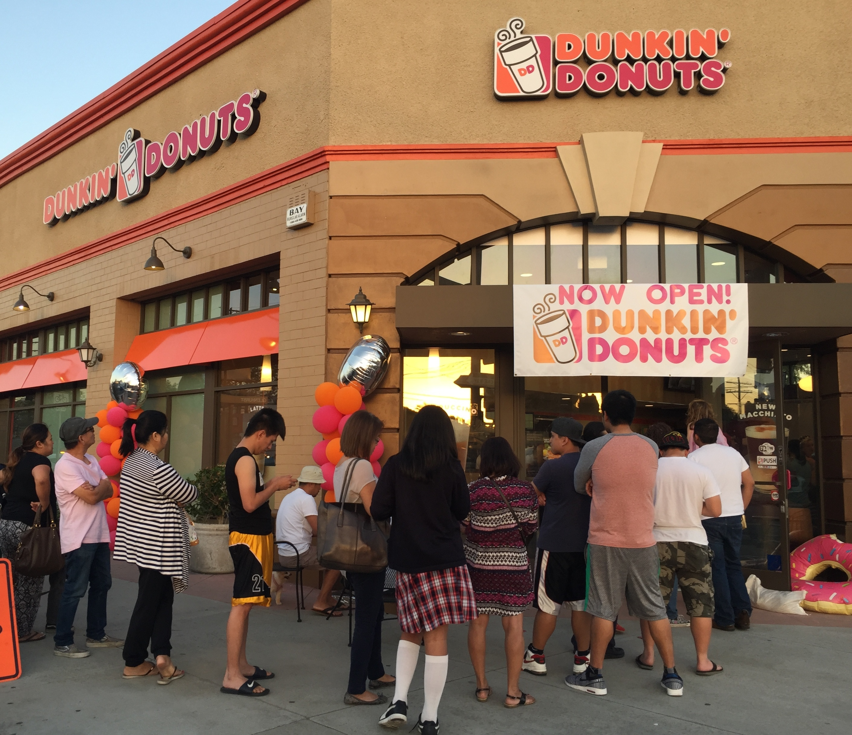 Dunkin Donuts Opens Two New Stores In Atwater Village And