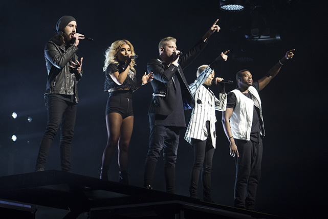 Pentatonix performing at Microsoft Theater. Photo by Genesia Ting for the Los Angeles Beat.