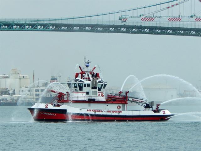 fireboat_2_warner_l_lawrence_160514