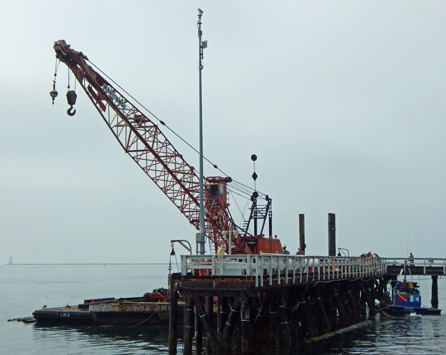 rebuilding_pier_at_pilot_station_in_pedro_160628