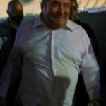Emeril trying to escape his fans. There is no escape!