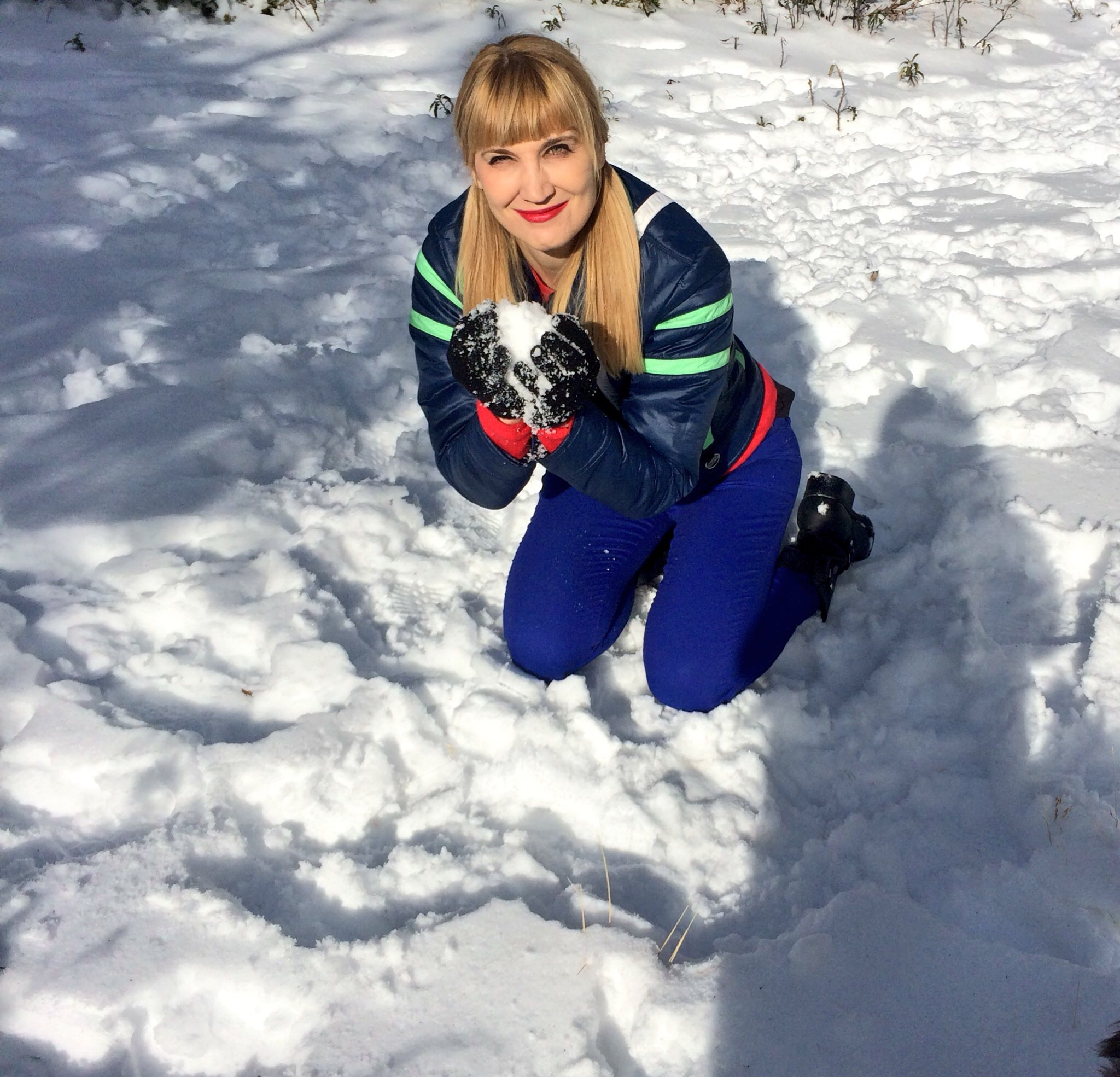The author starts a snow fight (photo by Erin Korda)
