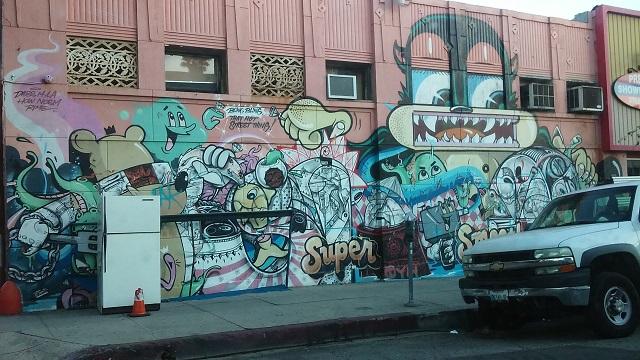 """Random L.A: """"Bling Bling That Hot Street Thing"""""""