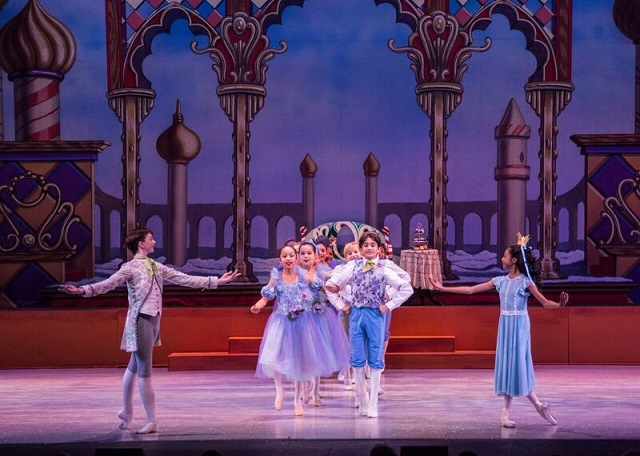 La Youth Ballet S The Nutcracker Featuring Dancers From The